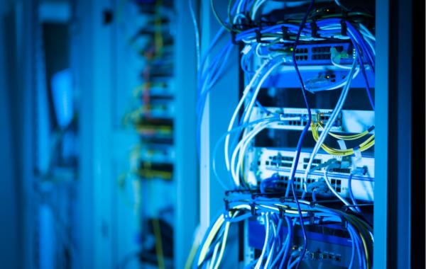 správa firemních serverů a sítí